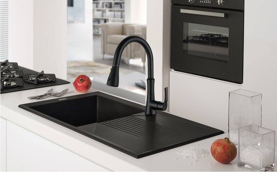 WOWOW Faucet Semprot Tarik Down Down Matte Ireng